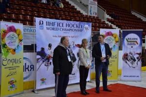 Министър Дашева и Мартин Миланов наградиха участниците в Световното първенство.