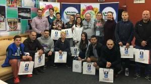 Мартин Миланов и Супервайзера на първенството Кимо Лейтонен наградиха доброволците.